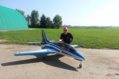 Johann Vief mit seiner Viper von CARF, Turbine Frank 18 kg, Einziehfahrwerk, Bremsen, Beleuchtung, Smokeanlage