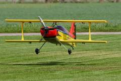 Landung mit Doppeldecker von Ludwig Bauer