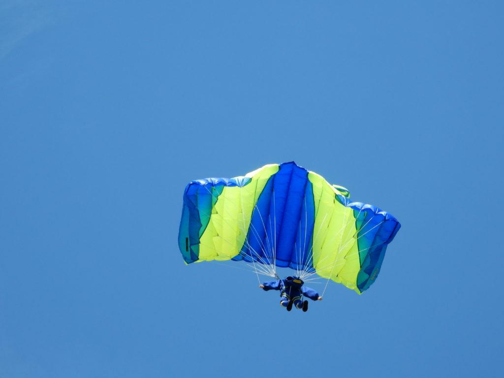 Fallschirmspringer von Cornelia Boxdörfer