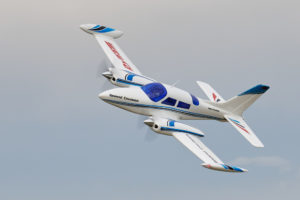 Cessna 310, 1 m